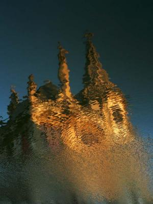 Reflection in water (3): Transformation, Ghent, Belgium, 2005