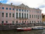 Lovely  building on a canal bank.JPG