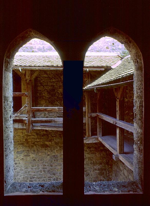 la fenêtre gothique, château de Chillon