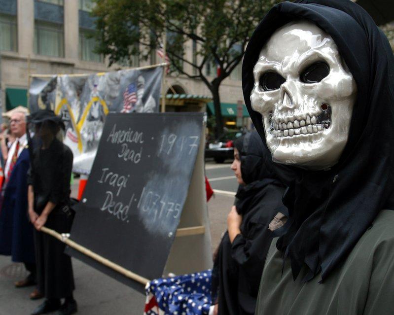 American and Iraqi Dead