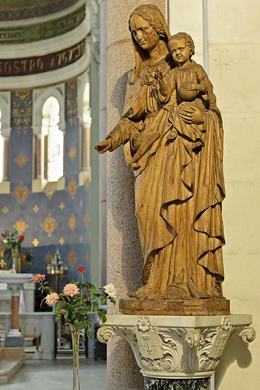 Marie en bois dolivier