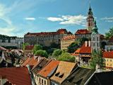 Cesky Krumlov: Castle Overlooks the City
