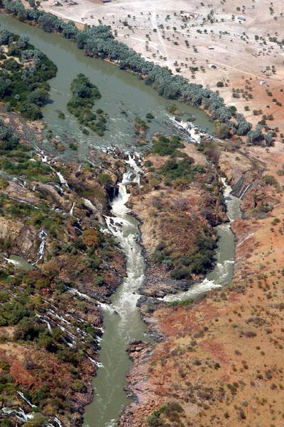 Epupa Falls (Angola left, Namibia right)