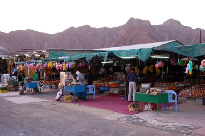 The Friday Market along the road in Masafi
