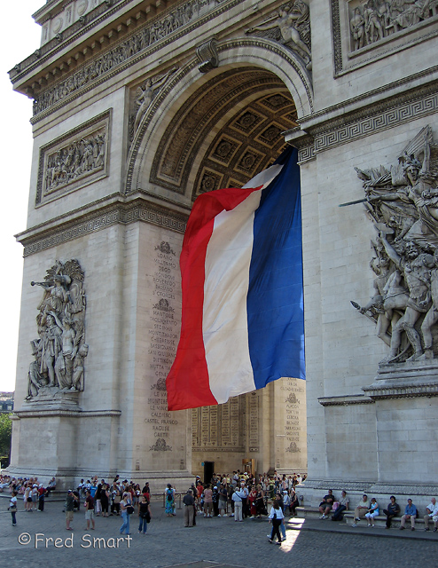 Flag at Arc de Triomphe