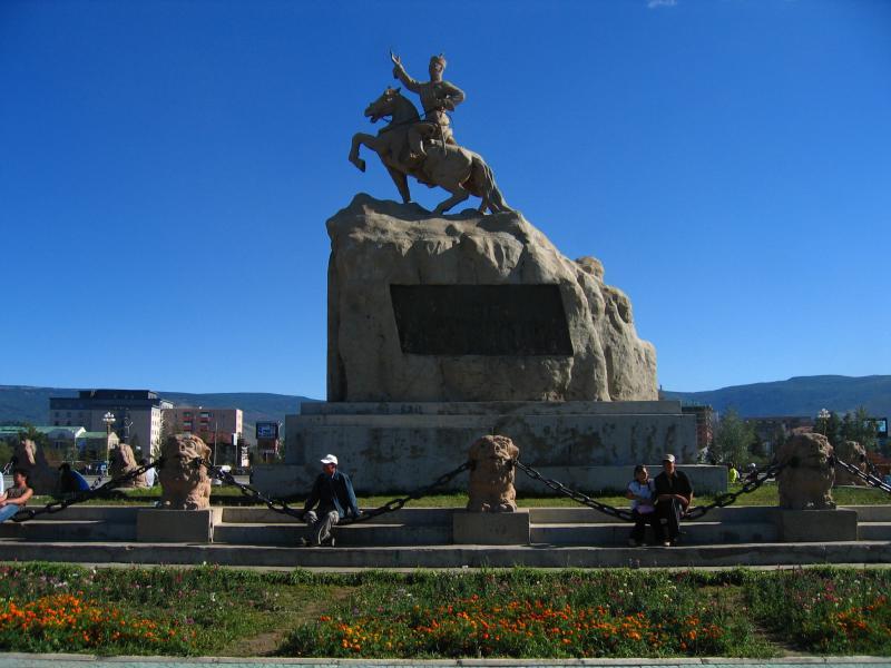 Statue of Damdin Sükhbaatar